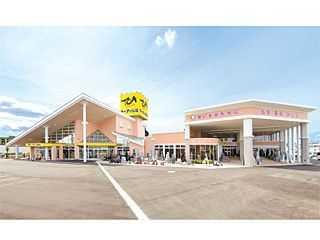 国道8号線・寺島交差点にある駐車場が完備された店舗