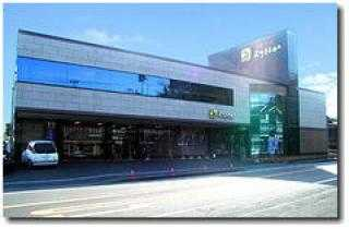 国道56号線沿いにある店舗は駐車場完備