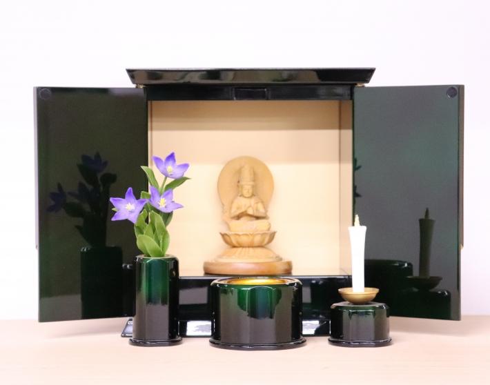 会津塗りの厨子型のお仏壇